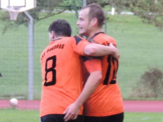 Nikolai Hack und Alexander Bernhart beim Torjubel